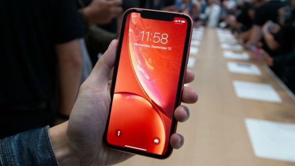 Снова сядут в лужу: Apple не успевают с релизом iPhone XR в декабре