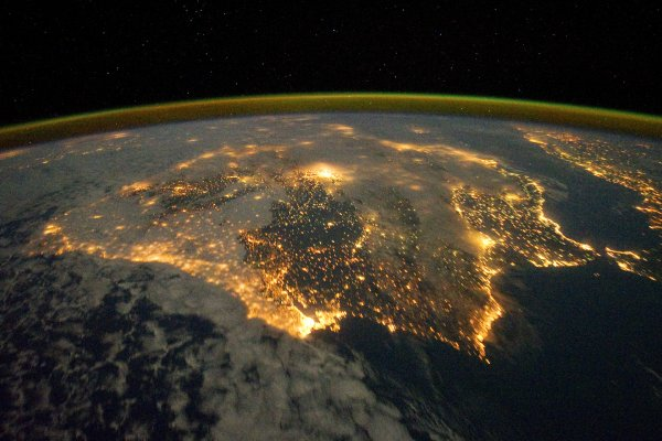 NASA удивило ночным видом Земли из космоса