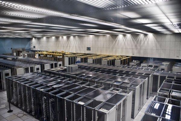 «Ростех» начал серийное производство серверов «Эльбрус-804»