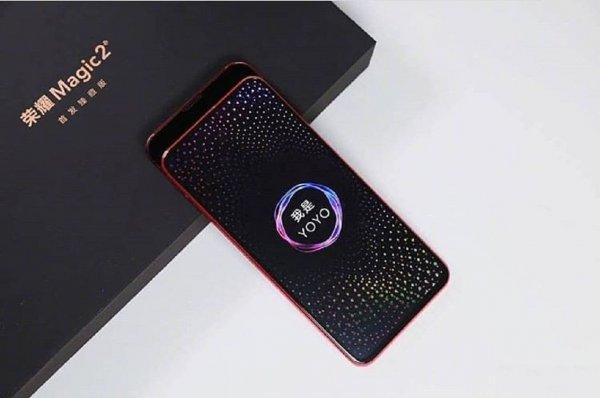 В Сети появились новые видео и фото смартфона Honor Magic 2