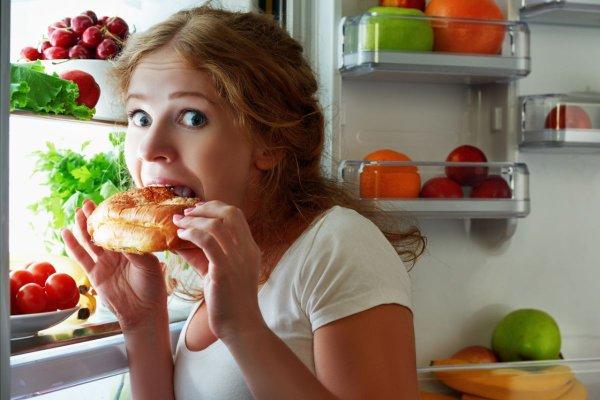 Кардиологи: Поздний прием пищи опасен для организма человека