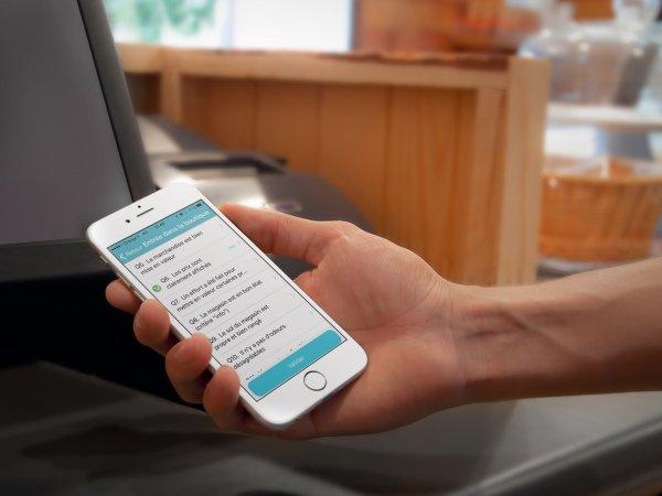 Эксперты: Новая сенсорная пленка поможет слепым пользоваться смартфонами