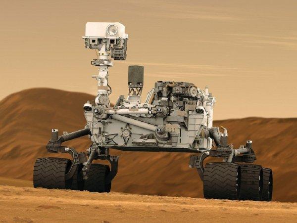 Curiosity нашел на Марсе похожий на самородок блестящий предмет