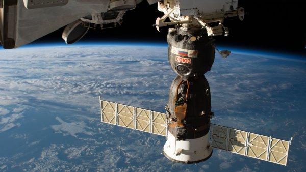 Российские космонавты добрались до поврежденного корабля «Союз МС-09»