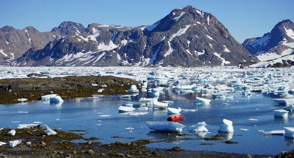Взорвавшийся над Гренландией огненный шар поможет в изучении других планет