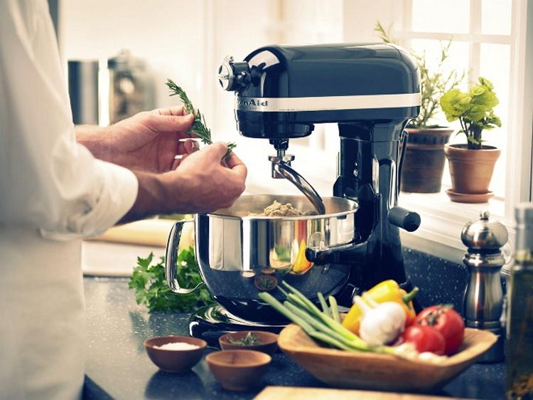 Приобретаем современный кухонный комбайн