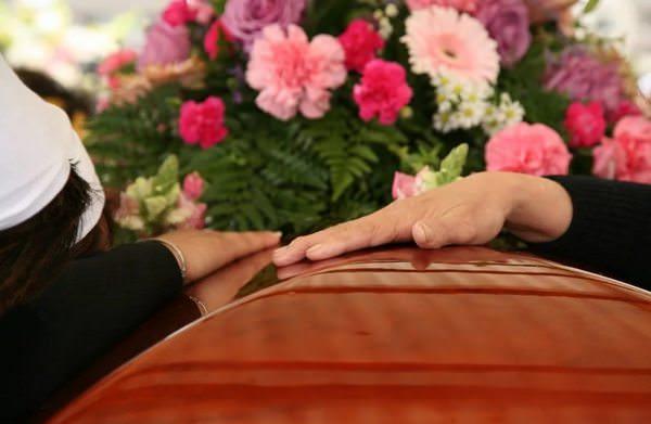 Как достойно похоронить родственника