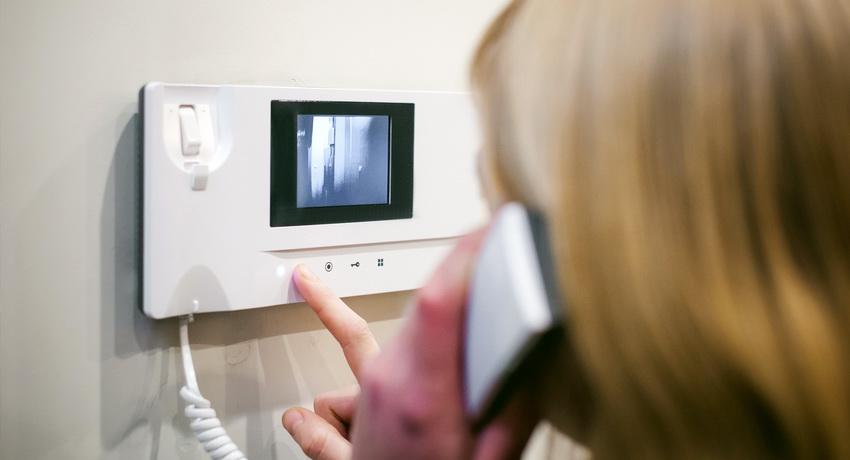 Видеодомофон для безопасности дома и его жильцов