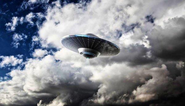 Очевидцы из штата Миссури сняли на видео НЛО с «кошачьими глазами»