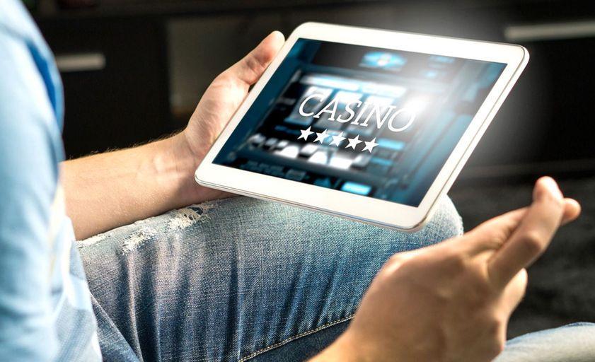 Невероятны аппараты в казино Вулкан, а также популярный слот - fruit-slots