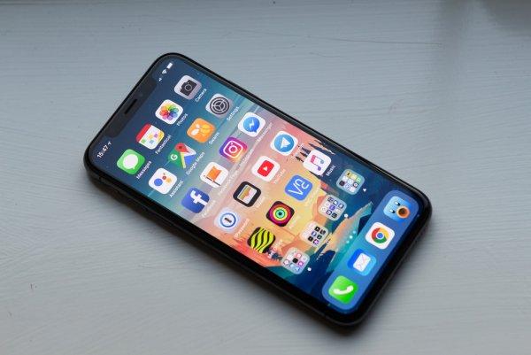 Новая прошивка iOS сломала большинство iPhone в мире
