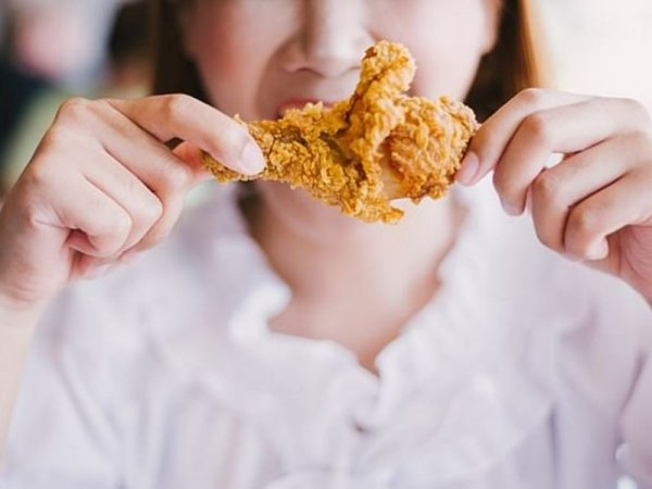 Ученые: Жирная пища после 20 лет наносит вред здоровью на всю жизнь