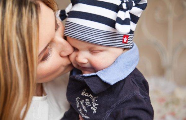 «Яжематерям» больше улыбаться: Эксперты рассказали, как лучше синхронизироваться с ребёнком