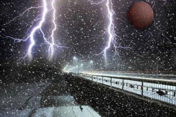 «Нибиру приближает Судный День»: На Дальний восток обрушилась снежная вьюга с громом и молнией