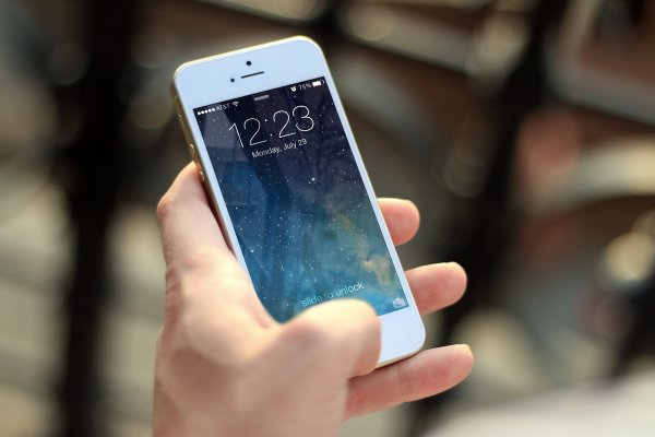 Наследник iPhone SE с 4,7-дюймовым дисплеем появится в 2020 году