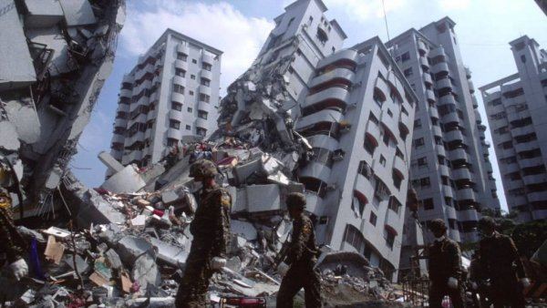 «Десятки землетрясений вокруг России!»: Приближение Нибиру провоцирует всё новые подземные толчки, есть угроза цунами
