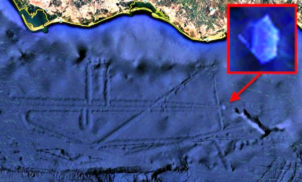 Будут нападать из воды: Спутники Google случайно обнаружили военную базу Нибиру – уфолог
