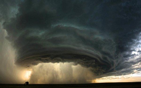 Нибиру высасывает атмосферу: Очевидец сфотографировал откачку кислорода с Земли