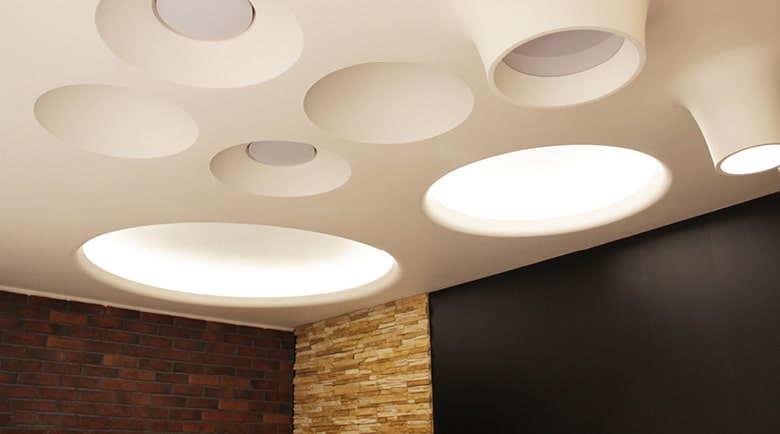 Встроенные светильники из гипса
