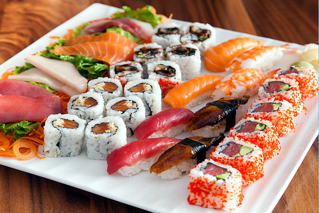 Блюда японской кухни с доставкой от ресторана «АРТиШОК»