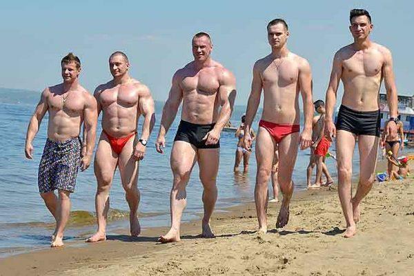 Пляжная одежда для мужчин – плавки и шорты