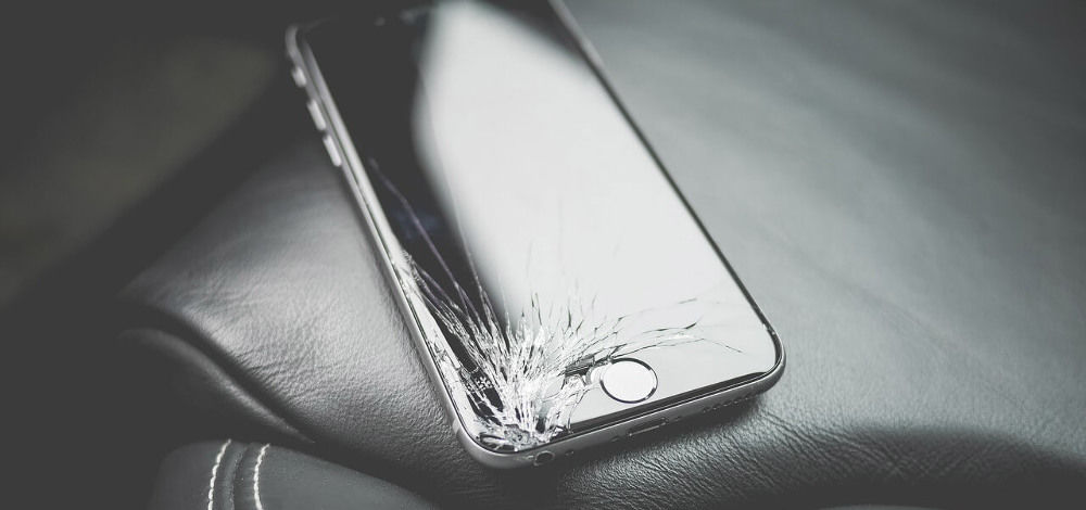 Что делать, если разбит дисплей iPhone