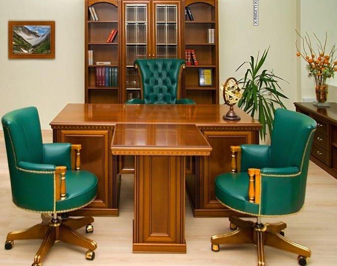 Широкий ассортимент мебели в кабинет руководства