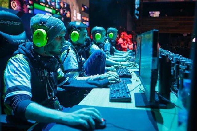 Почему стоит ставить на киберспорт