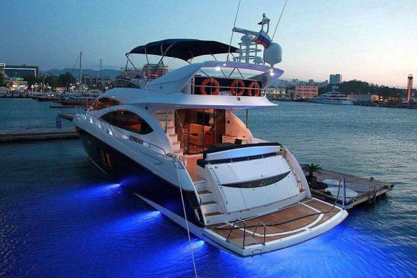 Взять в аренду яхту в Сочи