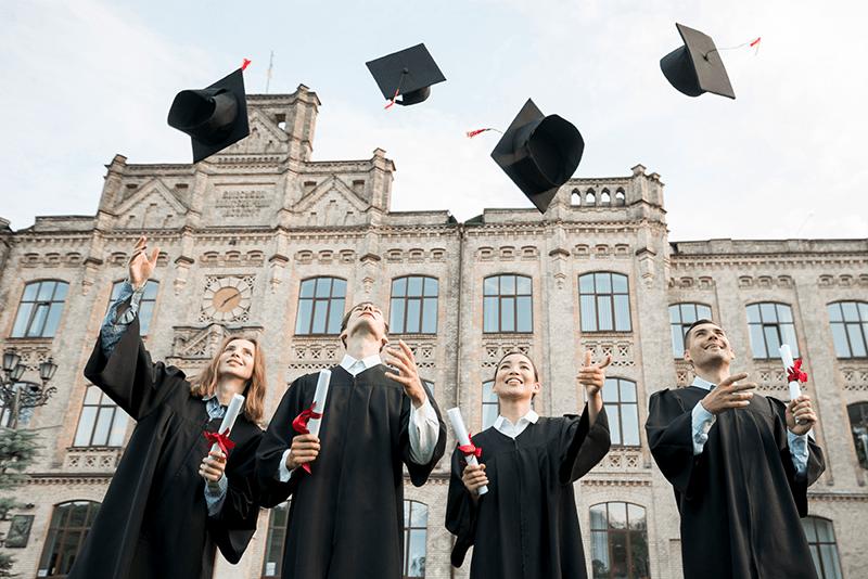 Стоит ли студенту в 2021 году поступать в зарубежный вуз