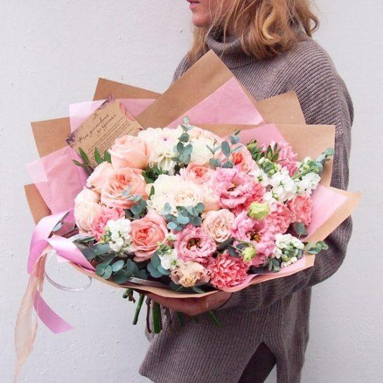 Тренды упаковки цветов на подарок